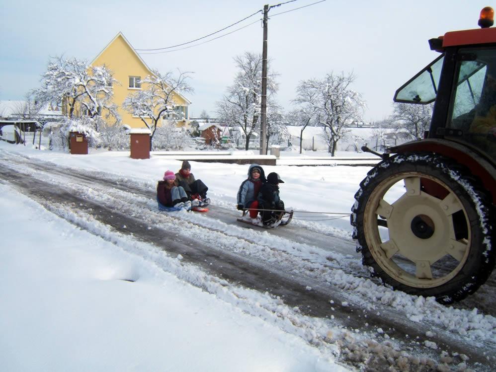 Tracteur neige Alsace luges